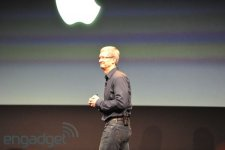 conference-apple-keynote-04-10-2011-01