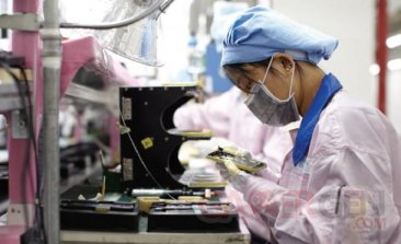 apple-iphone-travailleur-chinois