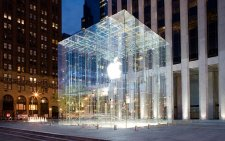 Apple_Store_5th_Avenue_New-York_1