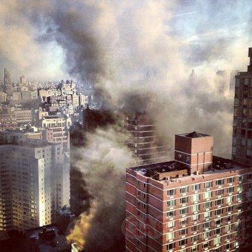 apple-store-new-york-feu-01