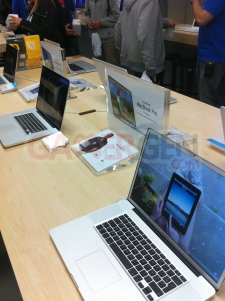 apple_store_velizy_ photo-2