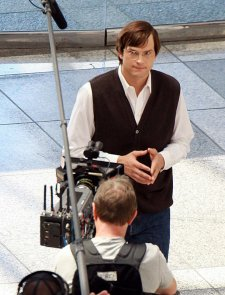 ashton-kutcher-steve-jobs-photos-volées-tournage-du-film