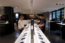 free-center-boutique-free-paris-ressemble-apple-store-3