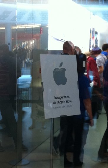 inauguration-apple-store-iphonegen (1)