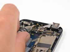 iphone-5-demontage-tear-down-ifixit-etape-10.