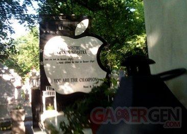 pierre-tombale-apple-logo-pomme