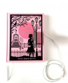 possession-book-dock-iphone-livre-etsy-6