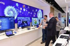 samsung-experience-store-boutique-physique-clone-apple-store-sydney-10