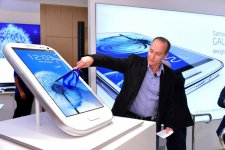 samsung-experience-store-boutique-physique-clone-apple-store-sydney-9